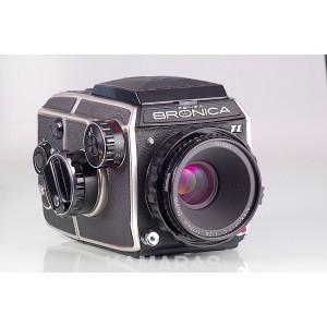 Bronica EC-TL + Chasis 6x6 + Nikkor-P.C 75mm f/2.8 + WLF