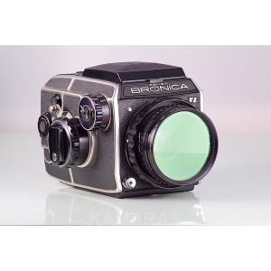 Bronica EC-TLII + Chasis 6x6 + Nikkor-P.C 75mm f/2.8 + WLF
